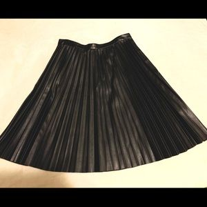 Calvin Klein Pleated Leather Skirt Size 4